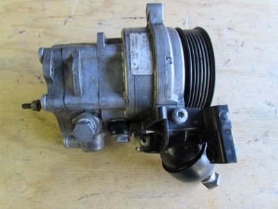 BMW Power Steering Pump 32416760070 E65 E66 745i 745Li