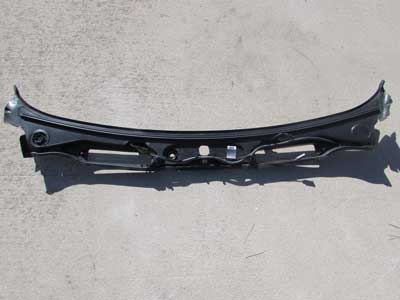 Bmw Windshield Wiper Cowle Cover 51717180743 E90 E91 323i