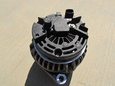 Mercedes Bosch Alternator 14v 90 150a A0121541302 W208