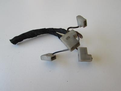 Mercedes horn connectors w208 clk320 clk430 clk55 amg for Mercedes benz electrical connectors
