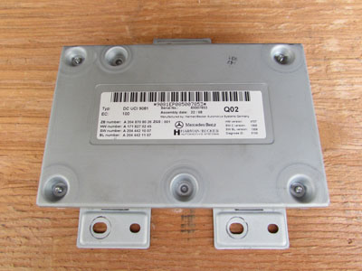 Mercedes R171 Media Interface Control Unit Harmon Becker A2048708026 SLK280 SLK300 SLK350 SLK55