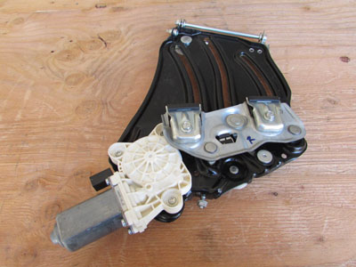 Mercedes R171 R172 Vent Window Motor and Regulator, Right SLK 250 SLK280 SLK300 SLK350 SLK55 A1718200842